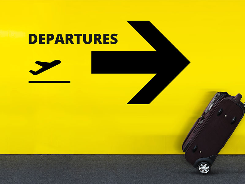 Dialogues in English for travellers: The airport.