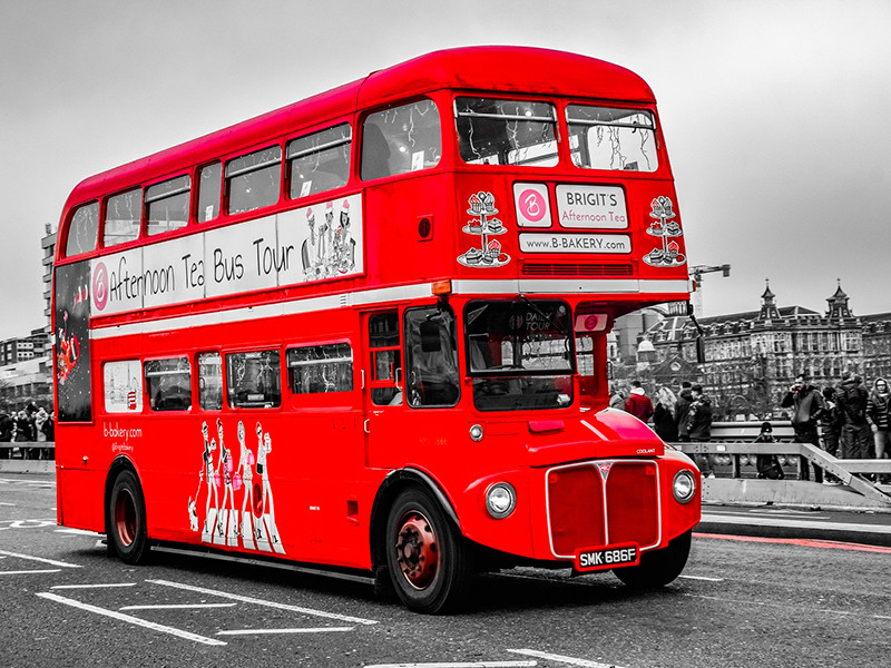 "London and its ""pirate"" buses"